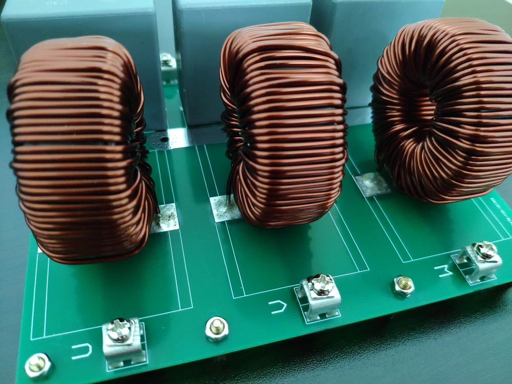 Three-phase LC Filter SPWM / SVPWM Inverter Filter Low-pass Filter Inductor Capacitor Filter Output Sinusoid