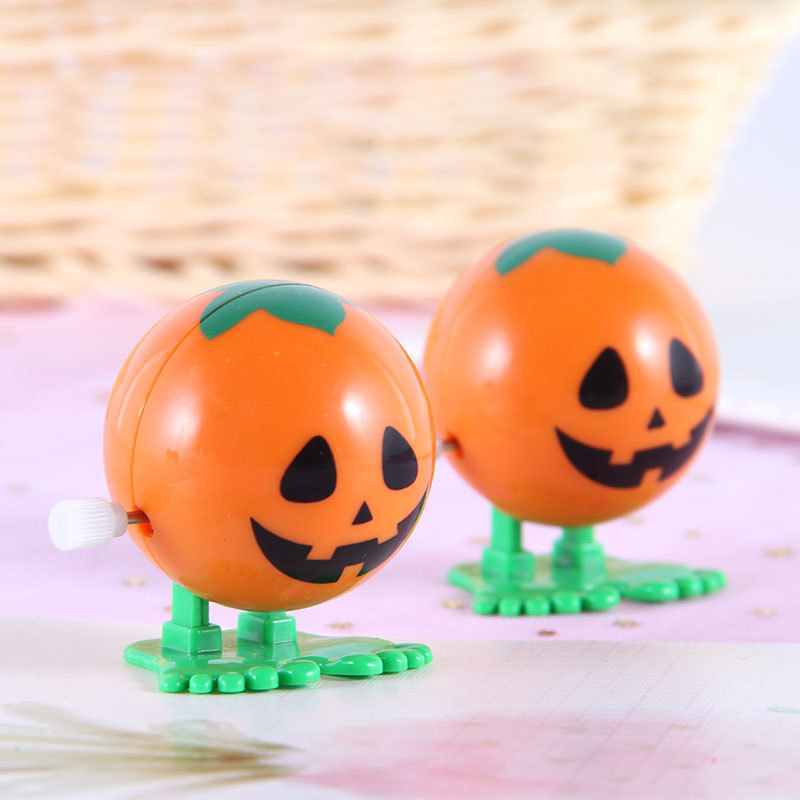 1Pcs Classic Cartoon Halloween Theme Pumpkin Head Smile Wind Up Toys Mini Creative Children Entertainment Toys Festival Supplies