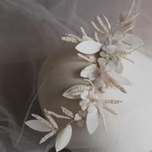 سخية اليدوية الزهور الزفاف مشبك شعر اللؤلؤ تاج مجوهرات الزفاف النساء حفلة موسيقية خوذة إكسسوارات الشعر