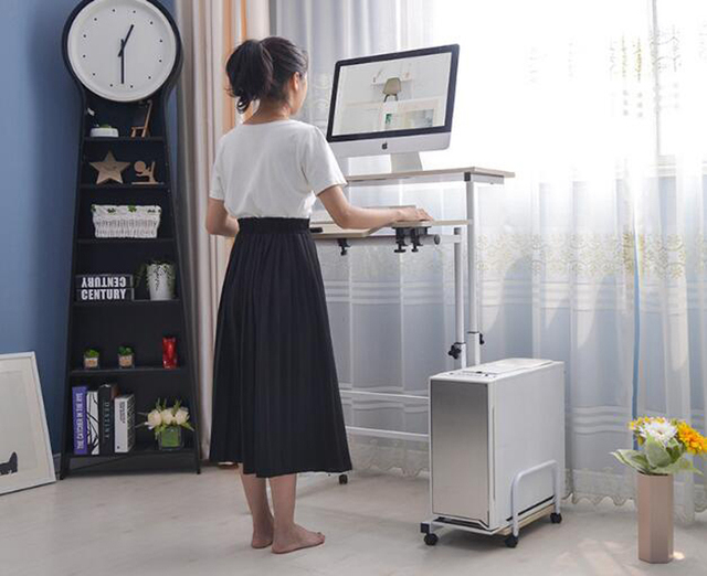 Стоячий компьютерный стол для ноутбука с клавиатурой мыши полка