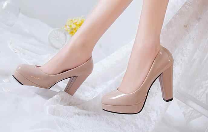 Hot Women Pumps Shoes Women PU Leather Shallow Slip-On Round Toe High Heels Wedding Party Derss Shoes Mujer Plus Size 34-42 New