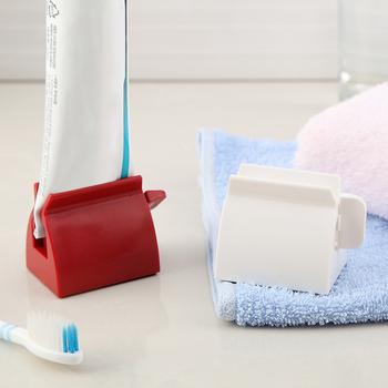 Urządzenie do pasty do zębów wielofunkcyjny dozownik pasty do zębów płyn do demakijażu klipsy do wyciskania ręczna tubka do pasty do zębów wyciskarka tanie i dobre opinie CN (pochodzenie) Bathroom Accessories Easy to Using Kids Toothpaster Dispenser Toothpaste Tube Squeezer Facial Cleanser Dispenser