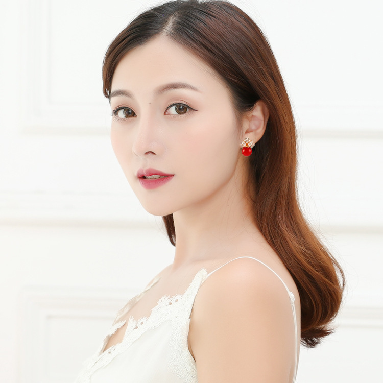 Boucle D Oreille Brinco Brincos 2019 Direct Selling Rushed Earings S925 Needle Korean Pearl Big Flash Business Fashion Earrings in Stud Earrings from Jewelry Accessories
