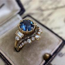 2 pçs/set feminino luxo quadrado corte coroa anel de strass incrustado anel de noivado nupcial requintado anel de casamento conjunto de jóias de festa