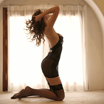 Black Charm Corset Bustiers Female Body Shaper Lace Underwire Seduction Dress Sexy Lingerie Halter Cross Backless Uniform 2