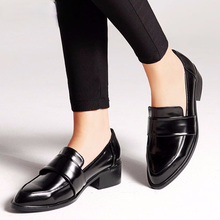 2021 New women dress shoes oxford shoes formal work footwear black flats slip-on retro shoes leather women shoes Loafers
