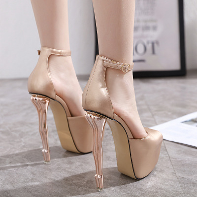 2020 Women's Shoes Beautiful Buttocks Sexy High-heeled Sandals Fish Mouth Buckle High Waterproof Platform Fashion Catwalk Stage