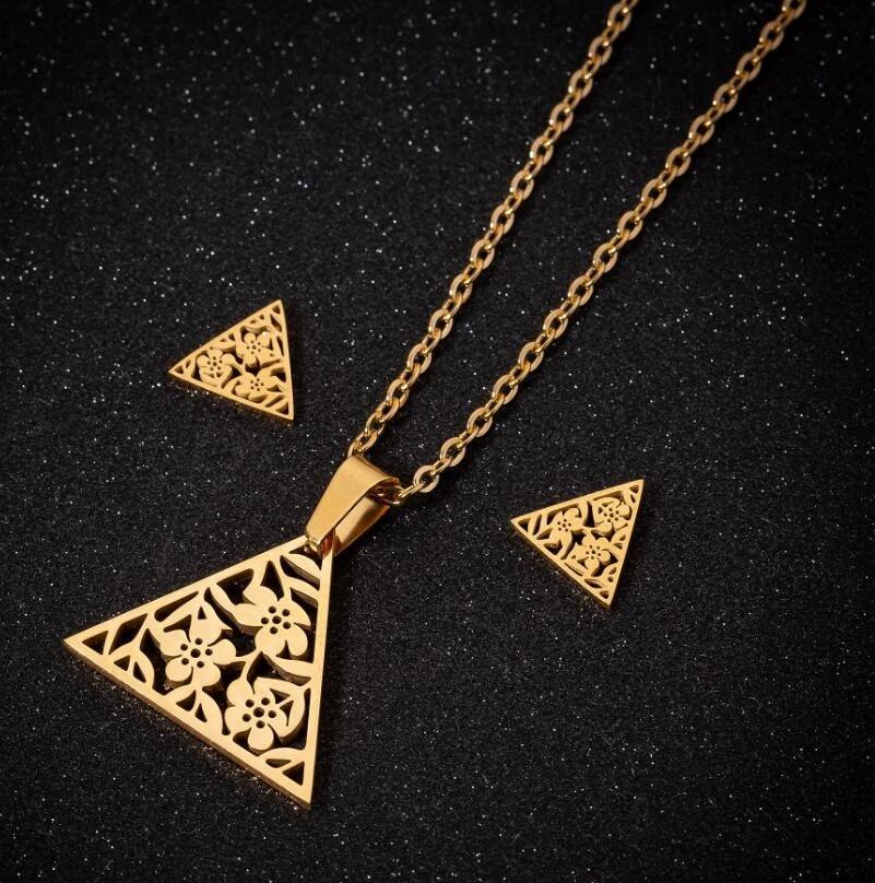 Hfarich Cute Gold Color Geometric Triangle Garden Flower Steel Necklaces Unique Valentines Women Dating Jewelry Bijoux Collar