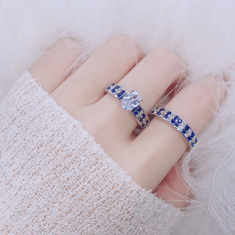 2019 European And American Hot New Ring Oval Blue And White Gemstone Ring Luxury Zircon Ring Simple Fashion Ladies Jewelry