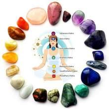 Natural 7 cores/conjunto de energia yoga pedra chakra pedra irregulares reiki cura cristais pedra polido pedras individuais