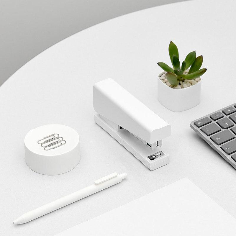 Xiaomi-Mijia-LEMO-Simple-Stapler-Mini-Safe-24-6-26-6-Include-100-Pcs-Staples-Nails (3)