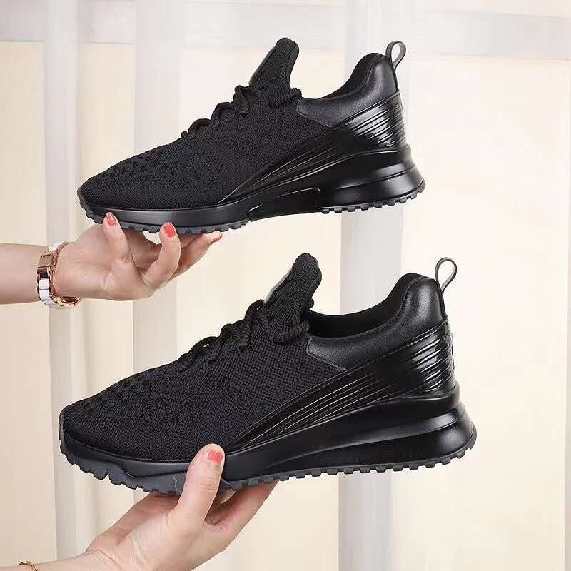 2020 New Designer Black White Flyknit Sneakers Men Women Special Materials Trainers Fashion Breathable Runner Shoes Size 35-45
