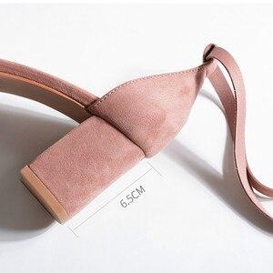 Image 5 - 여성 샌들 2020 여름 신발 여성 6.5/4CM 스퀘어 하이힐 솔리드 가짜 스웨이드 플록 발목 워프 슬리퍼 레이디 웨딩 샌들
