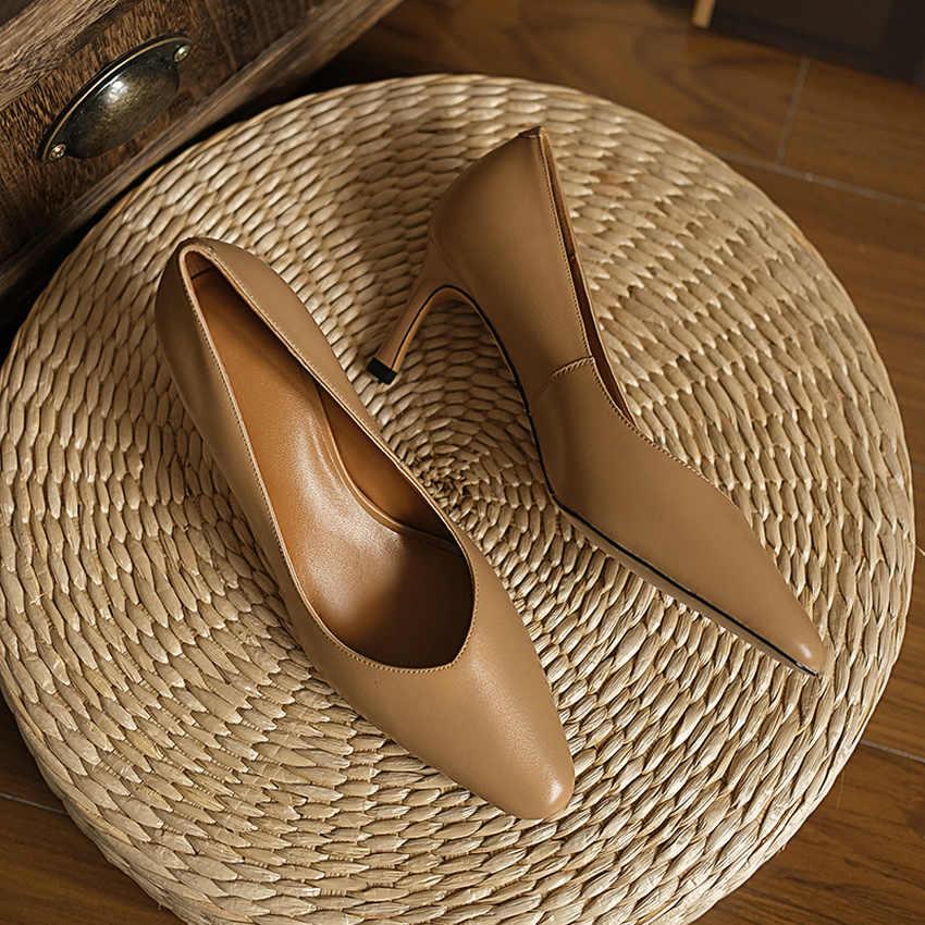 Женские туфли-лодочки QUTAA, на тонком высоком каблуке, с острым носком, из коровьей кожи, размеры 34-39, 2020