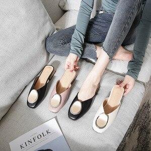 Image 4 - Echt Leer Muilezels Vrouwen Schoenen Metalen Decoratie Vierkante Teen Slippers Casual Chunky Hakken Slides Slip op Loafers Big Size Mule