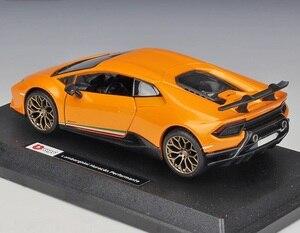 Image 4 - Bburago 1:24 Lamborghini Huracan Performante Diecast model car
