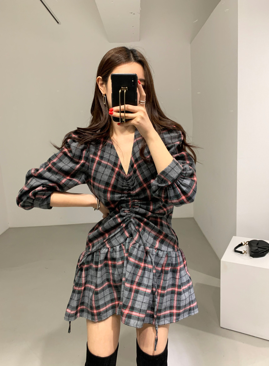 H30cbf097ba714e38a21cd7bc85a952e8O - Autumn V-Neck Puff Sleeves Waist-Controlled Color-Hit Plaid Drawstring Mini Dress