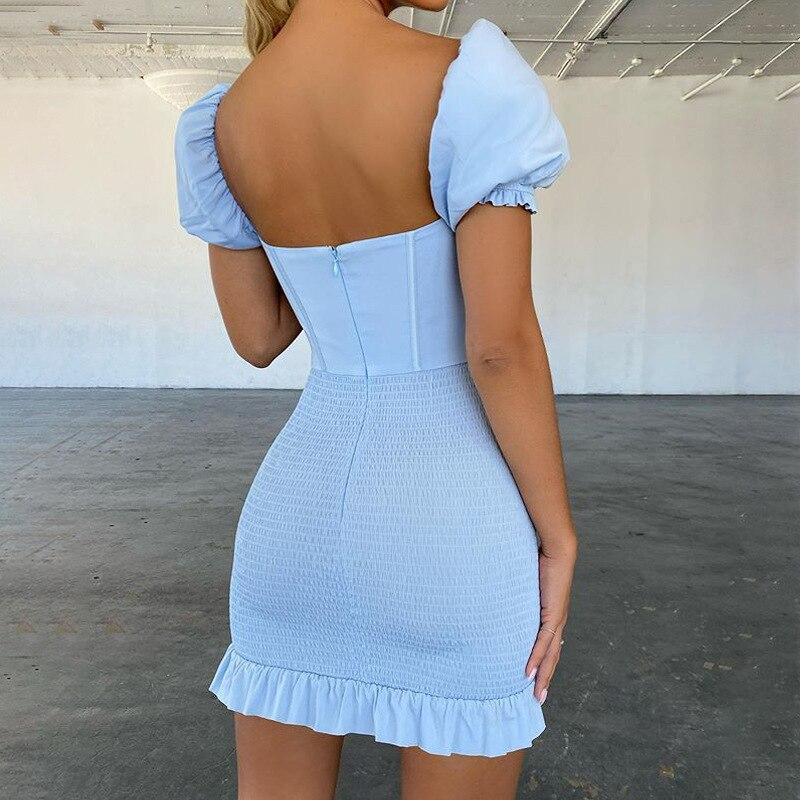 Платье женское атласное эластичное с коротким рукавом и рюшами
