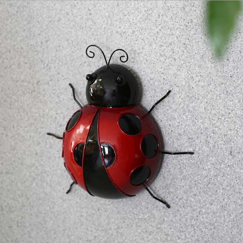10cm Metal Ladybug Fence Hanger Wall Hanging Outdoor Garden Decorative Figurine