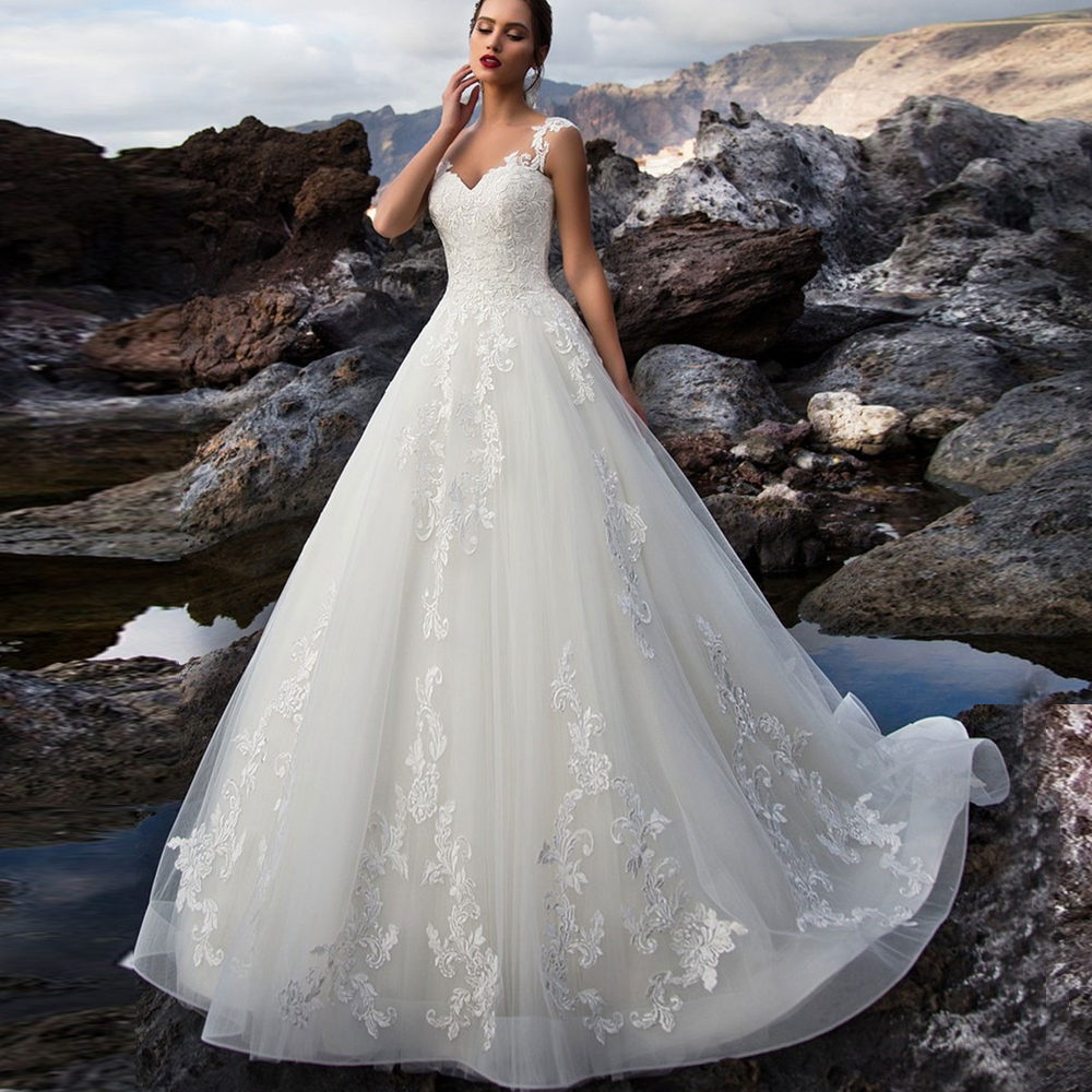 Elegant V-neck Ball Gown Wedding Dress Sweep Train Lace Bridal Gown Custom Made Robe De Mariee 2020