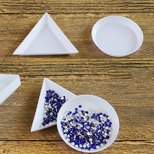 10 sztuk okrągły/trójkąt plastikowe Rhinestone Nail Art Box płyta tacka pojemnik do przechowywania biżuteria brokat puchar narzędzie do Manicure LPWER