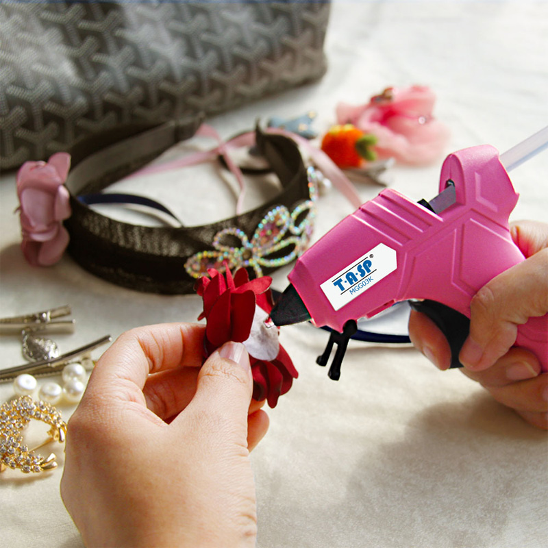 Image 3 - 220V 12(70)W DIY Mini Hot Glue Gun Silicone Melt Repair Tools with 10pcs 7mm Sticks-in Glue Guns from Tools on