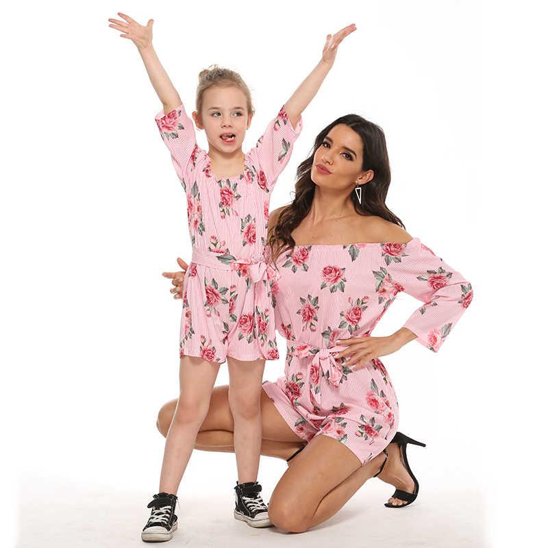2020 ใหม่ครอบครัวดูตรงกับ Rompers แม่ลูกสาว Overalls เข็มขัดเสื้อผ้าปิดแขนไหล่ Mommy และ Me ชุดเด็ก