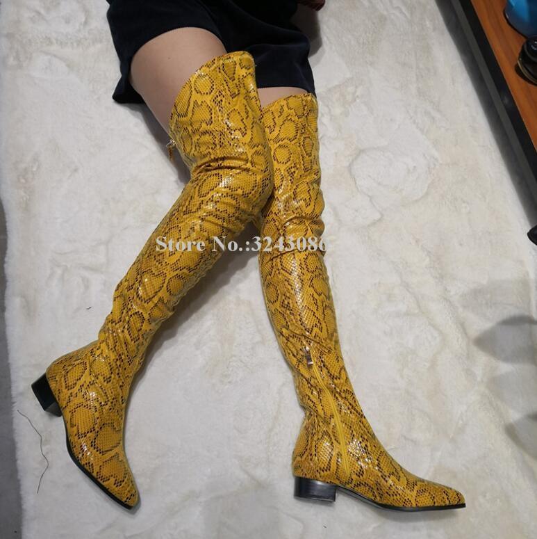 Женские высокие сапоги из змеиной кожи желтого цвета на плоской подошве; модные сапоги выше колена; реальные фотографии; в наличии; женские ...