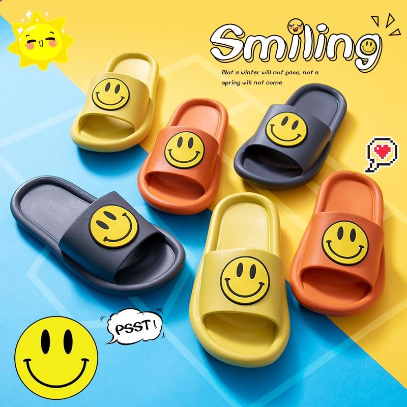 INS Fashion Women Summer Slippers Slide Sandals Beach Slides Soft Sole Flip Flops Cartoon Smile Face Non-slip Women Men Shoes