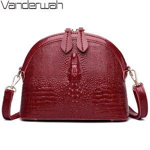 Image 1 - VANDERWAH oryginalna skóra bydlęca kobiety Crossbody torba luksusowe torebki damskie torebki projektant Alligator mała torba z łuskami Sac A Main Femme