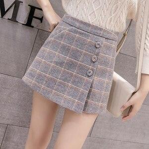 Image 2 - 2020 neue Mode einreiher Plaid Shorts Röcke Frauen Koreanische Vintage Woolen Shorts Herbst Winter Beiläufige Culottes