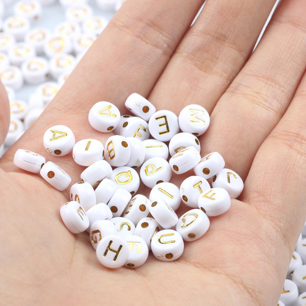 Смешанные белые золотые акриловые бусины с буквенным принтом, круглые плоские 26 алфавитных шармов, DIY бусины для браслета, ожерелья, изготов...