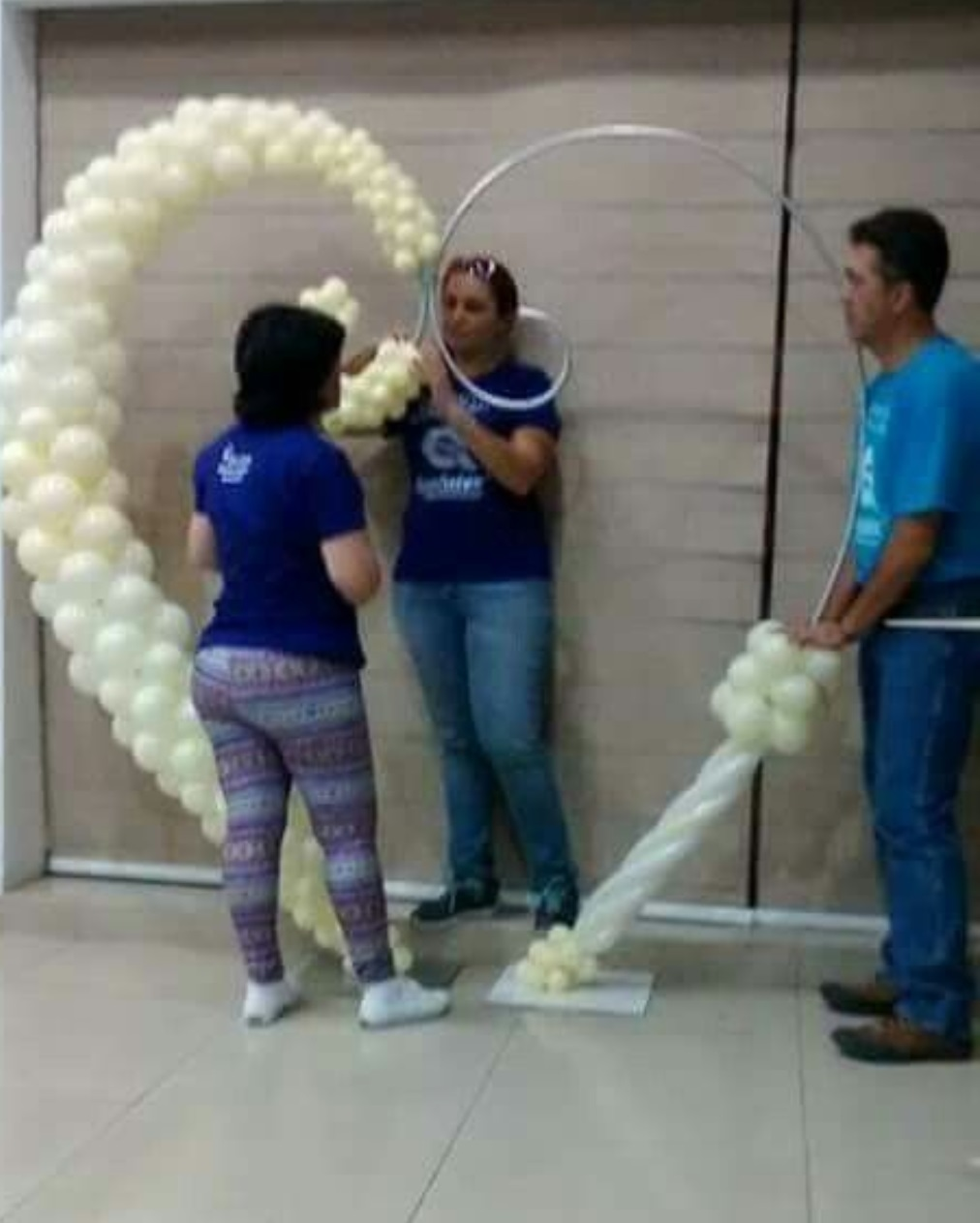 7x7.3ft Heart shaped balloon arch wedding decor