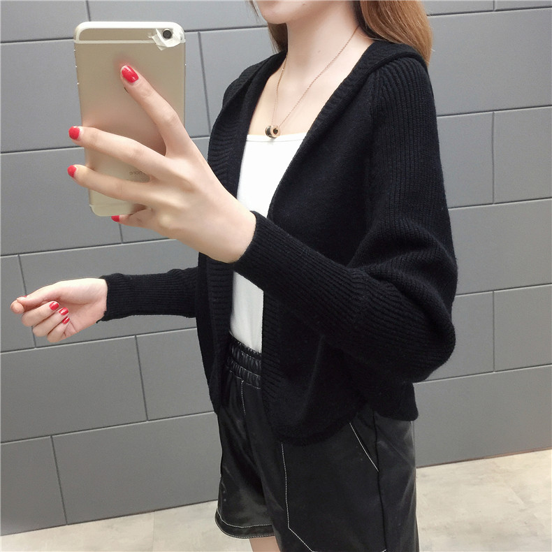 2019 Free send New style Korean loose and comfortable Autumn women Cardigan Sleeve of bat Hooded Sweater coat 140