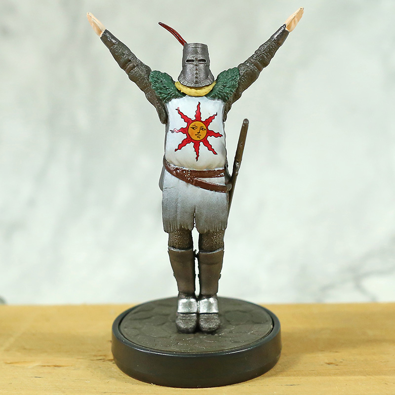 Chiger Game DARK SOULS Statue Solaire of Astora Greetings to the Sun PVC 10cm Action Figure Toys Only Display Doll