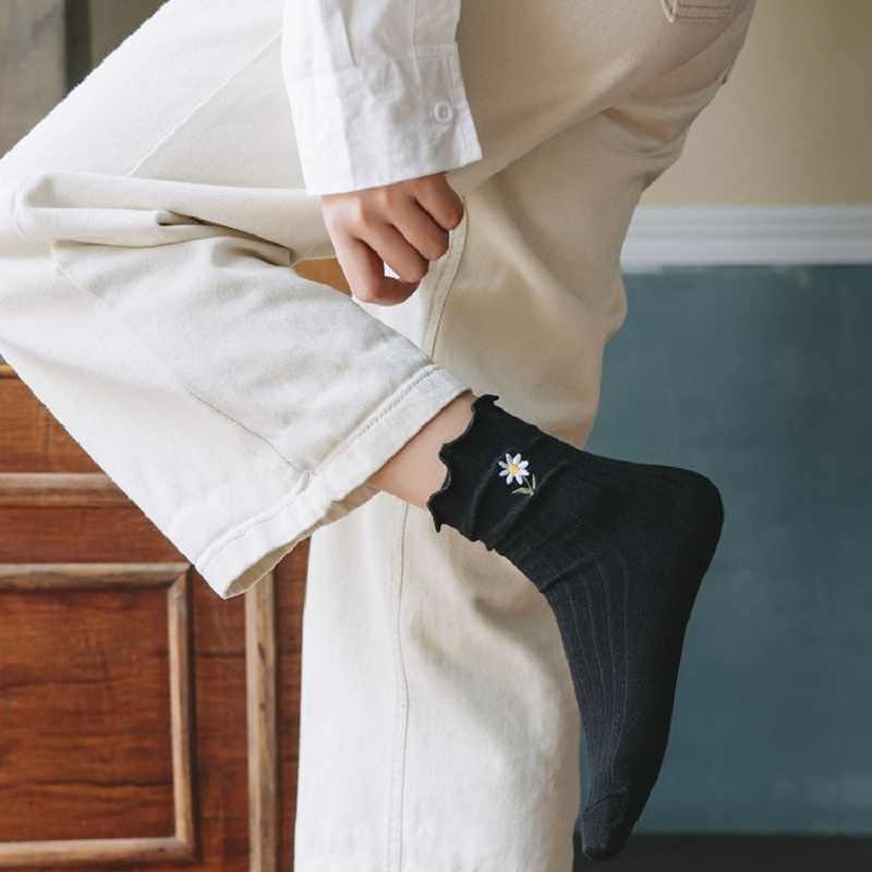 יפני נשים של צינור גרבי פטרייה-צד פרח רקמת פסים אנכיים גרבי ערימת גרביים