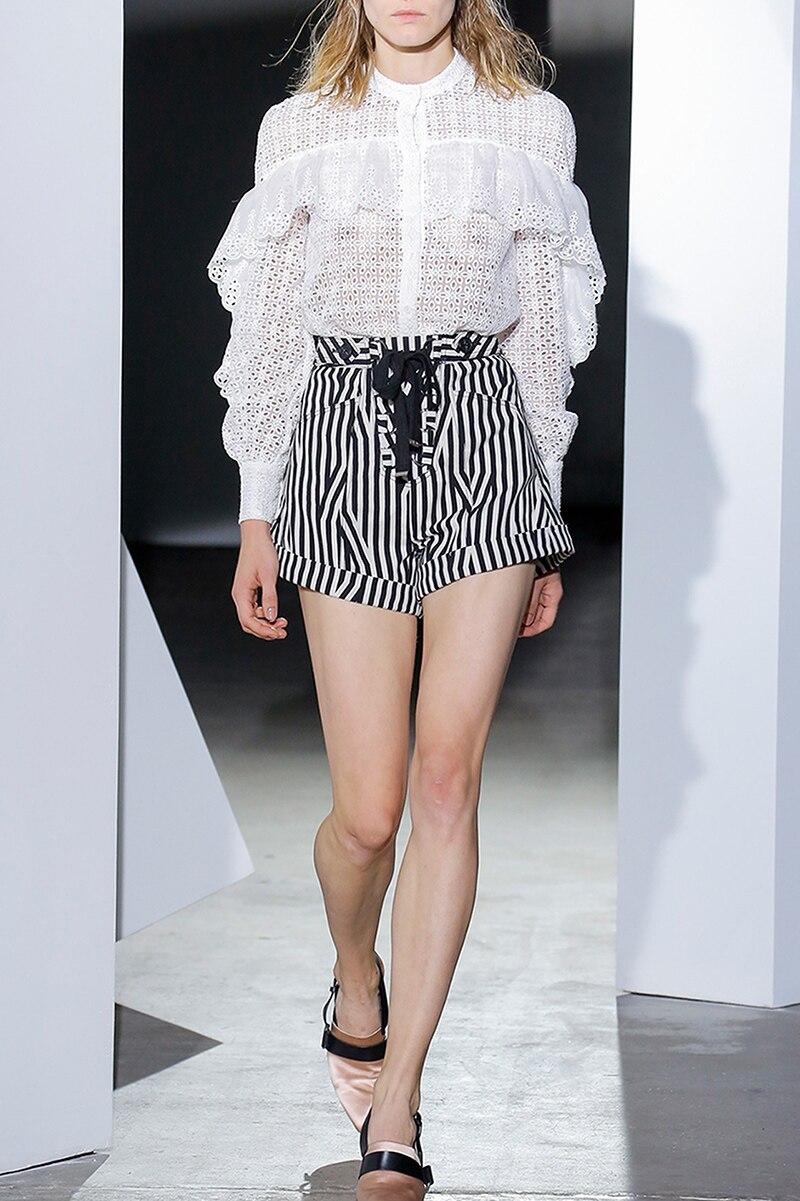 Дизайнер подиума весна осень женский комплект длинный рукав выдалбливают Кружева белая блуза топ и полосатые дизайнерские шорты модные костюмы - 5