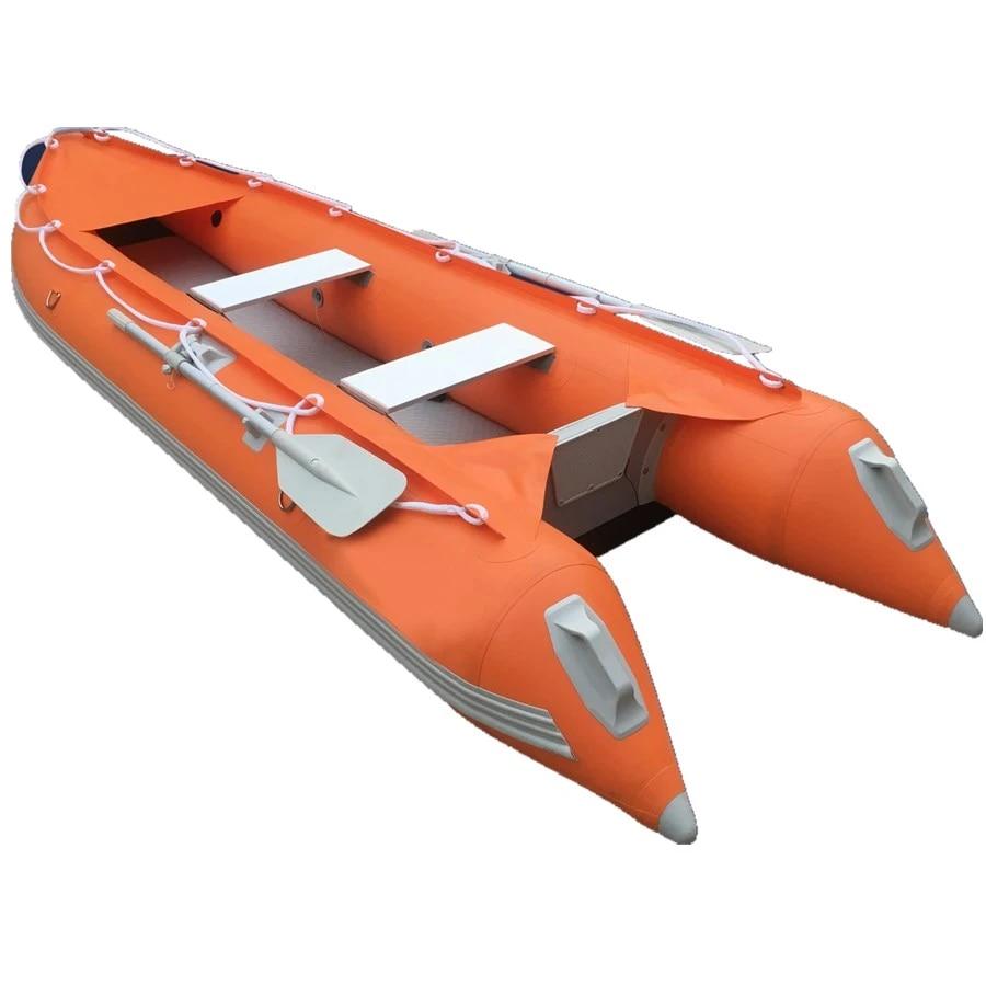 rubber boot die gerepareerd is met lijm voor buiten