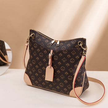 Luxury Large Capacity Bucket Bag  5