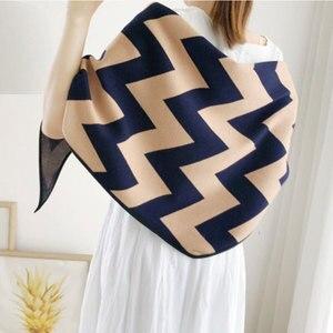 Image 1 - Marca de luxo lenços femininos xadrez sólida cachecol de caxemira presente para senhora borla padrão de amor pashmina echarpe cape xales e envoltórios