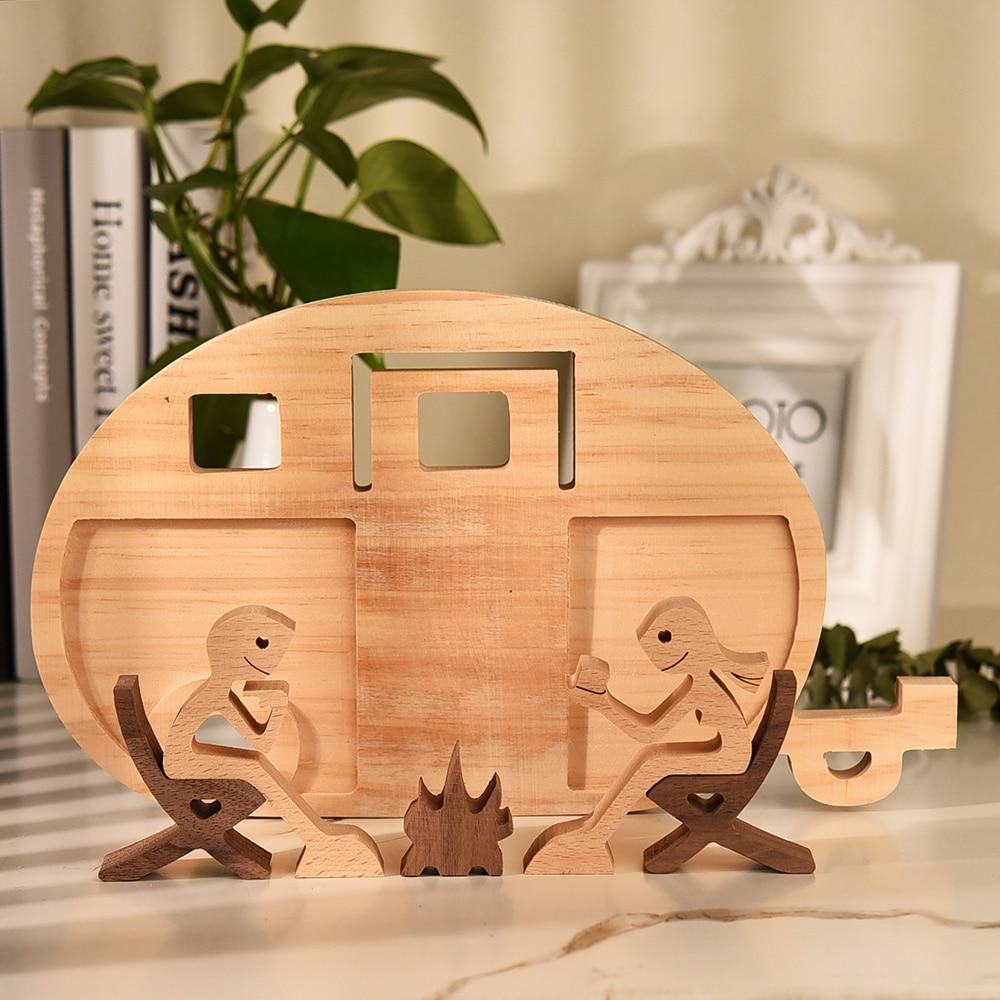 Minifiguritas de decoración de escritorio para el hogar, estatua de madera para interior de la familia de los cuatro, artesanía de madera para hombre y niño, regalo de bienvenida