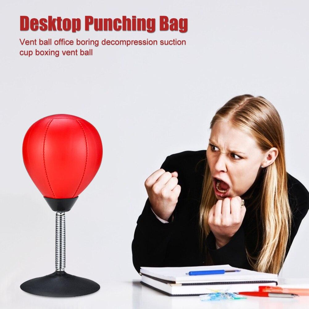 saco de boxe do desktop com bomba