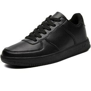 Image 4 - Marka skórzane męskie obuwie jesienne modne trampki obuwie gumowe ciepłe męskie płaskie buty zimowe męskie buty sprzedaż Man Designer
