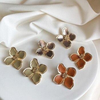 S925 plata Simple de moda de cuero desgastado Metal flores pendientes de broche para mujer Regalos Bohemia Boucle Doreille joyería regalos