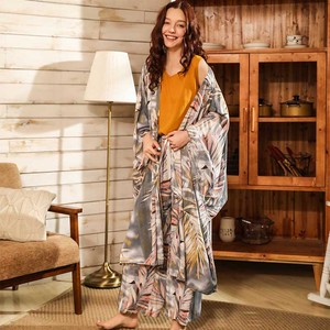 Image 2 - Bahar ve yaz bayanlar Cardighn + yelek + şort + pantolon 4 adet pijama seti Banmboo yapraklar baskı kadın pijama yumuşak gevşek ince Homewar