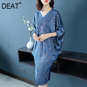 DEAT 2021 Fast Delivery New Women Autumn Loose Dress Pleated Short Batwing Sleeve V Neck Mid Calf Length Casual Tide NA949 1