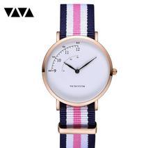 ファッションデザインのナイロン女性の腕時計レディースクォーツ腕時計革ストラップ全試合ドレス時計女性 montre ファム 2019