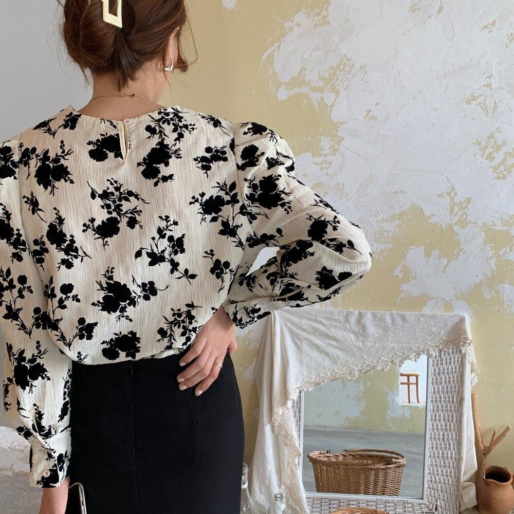 H31f68619957a4cdfafddfd076ead7a93N - Spring / Autumn Korean O-Neck Long Sleeves Two-Button Cuffs Floral Print Blouse