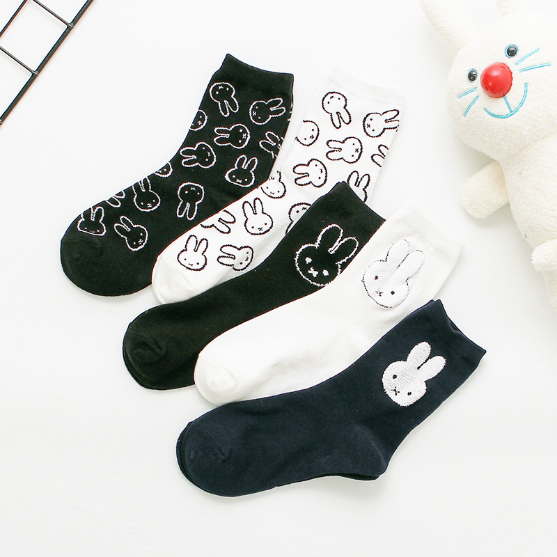 Dreamlikelin Harajuku Woman Socks Cartoon Rabbit Letter Print Kawaii Socks New Year Gifts