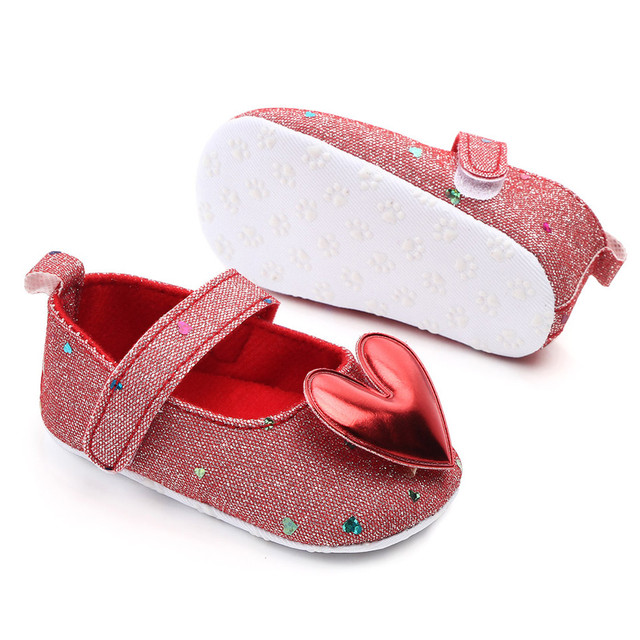 Sepatu Bayi Walkers Model Hati 6